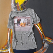 article-1-100-70-cm-t-shirt-and-oil-on-canvas
