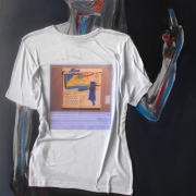 article-19-100-70-cm-t-shirt-and-oil-on-canvas