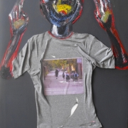 article-3-100-70-cm-t-shirt-and-oil-on-canvas