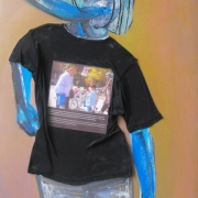 article-7-100-70-cm-t-shirt-and-oil-on-canvas